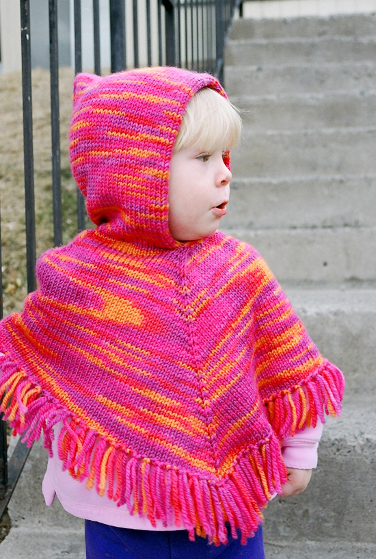 Childrens Knitting Patterns : Easy Kids Knit Poncho - Christmas Crafts, Free Knitting Patterns