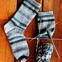# 242 Beginner Mid Weight Socks